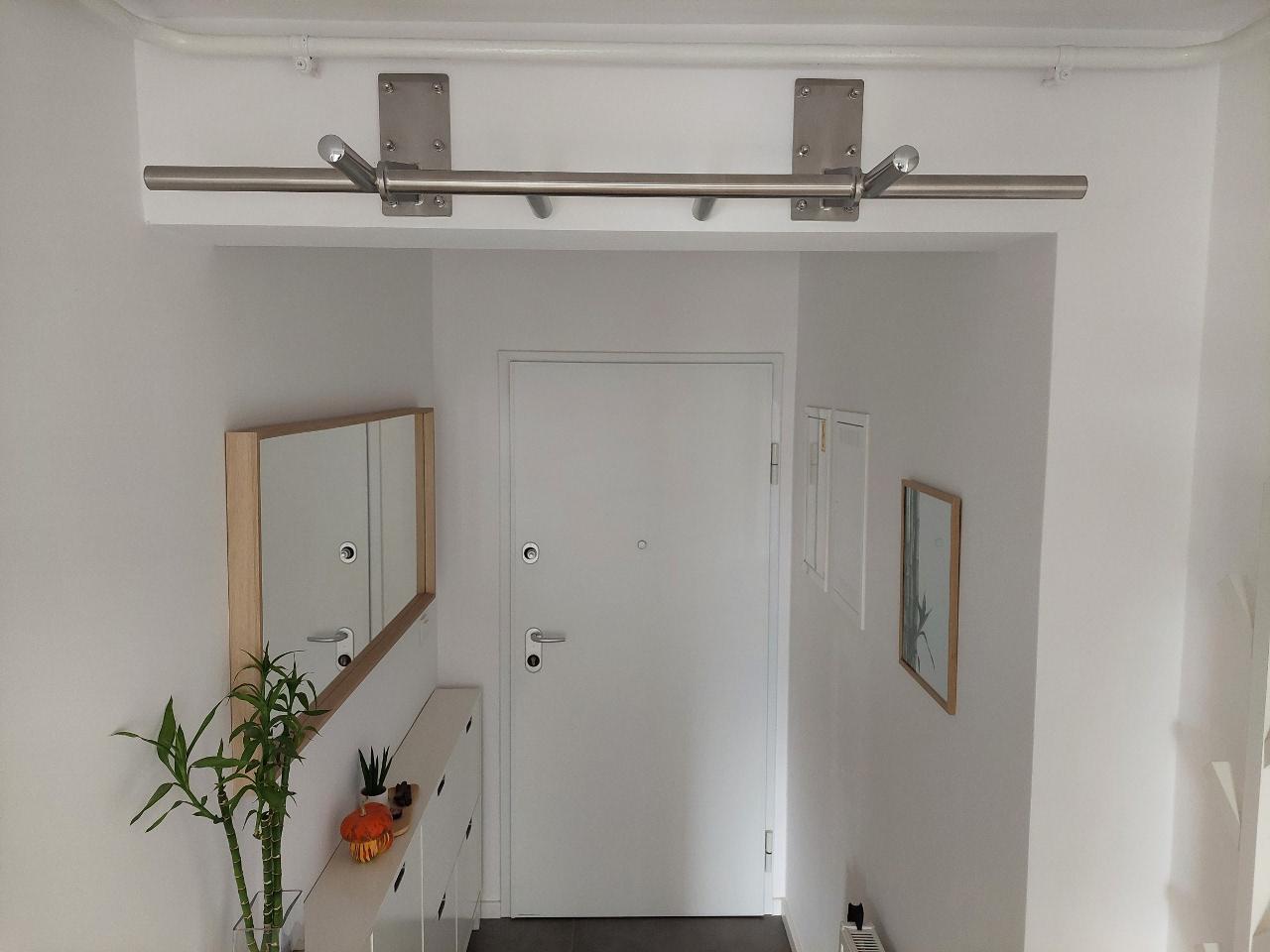 klimmzugstange_pull_up_bar_flur_corridor