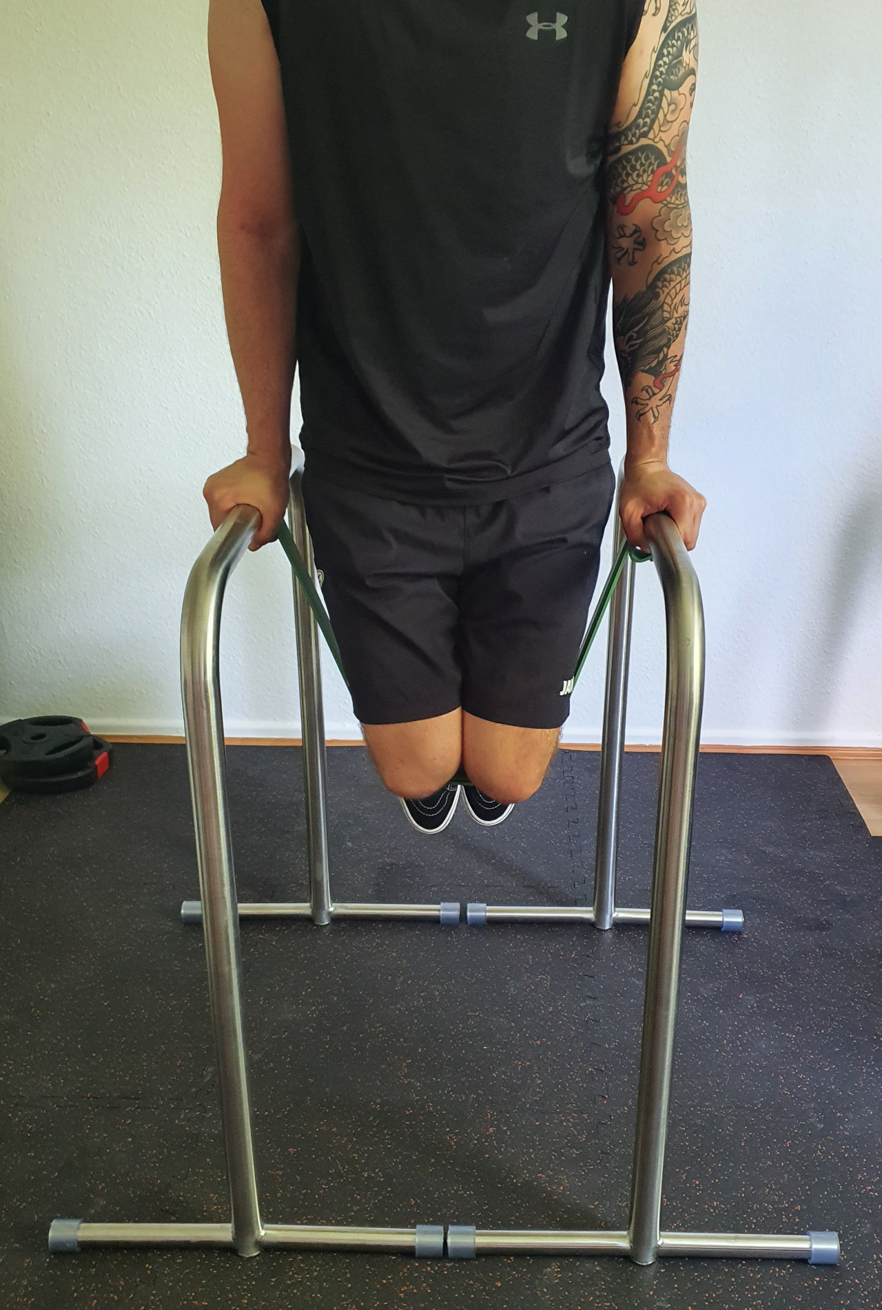 assisted_parallel_bar_dips