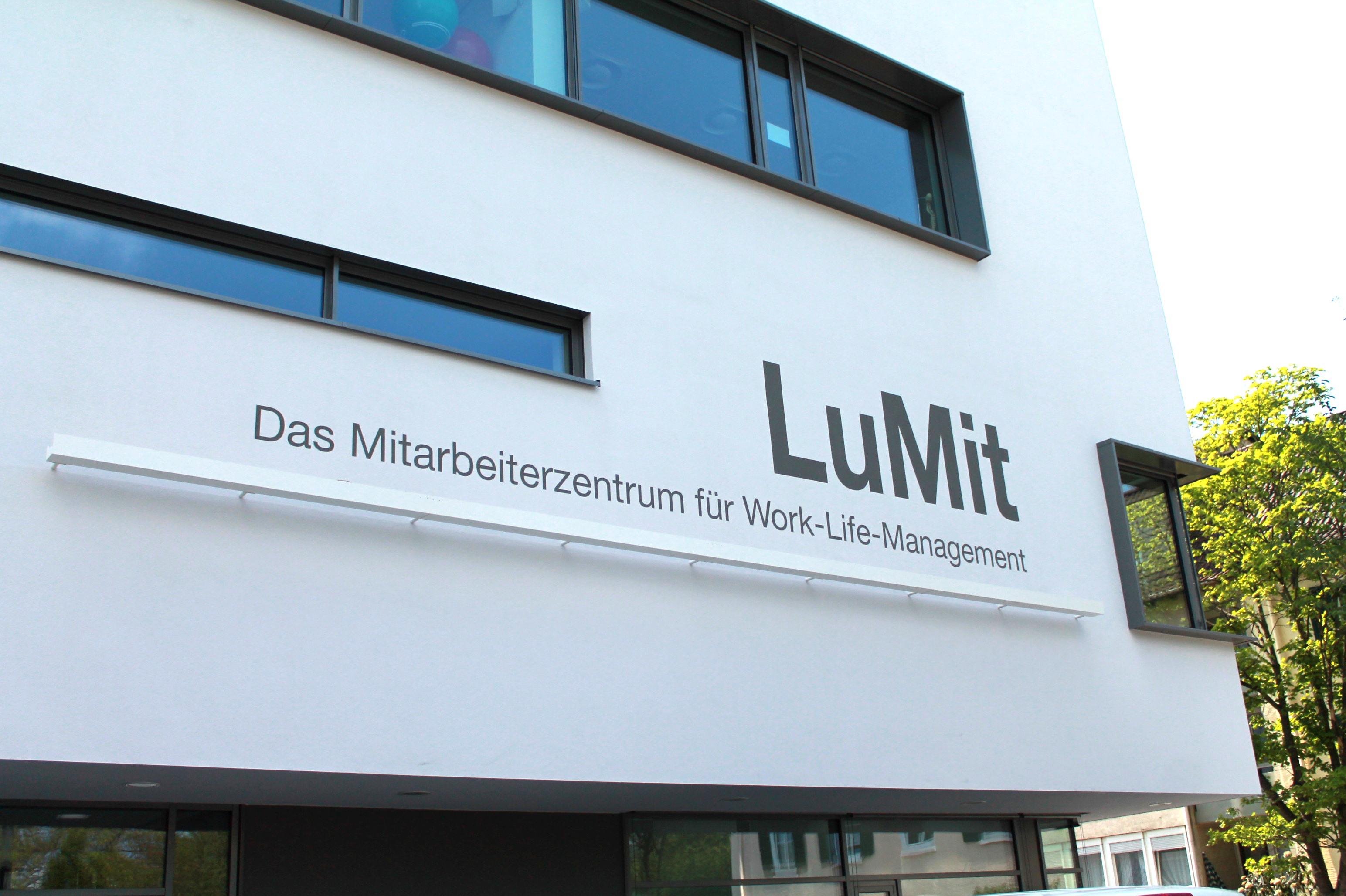 LuMit_basf_ludwigshafen_haupteingang.jpg