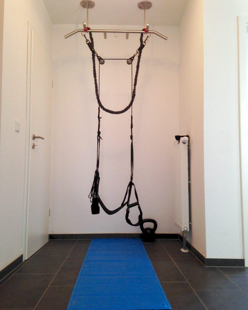 wie einen einfachen fitnessraum zu hause einrichten. Black Bedroom Furniture Sets. Home Design Ideas